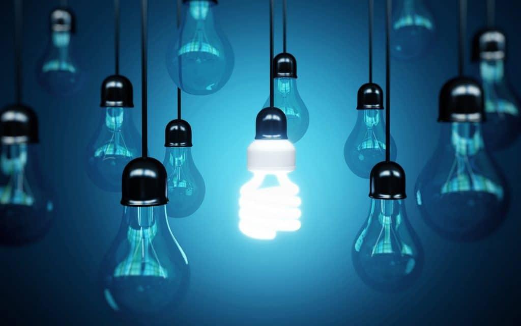 Ejemplos de circuitos en serie en la vida cotidiana. Lámparas y bombillas